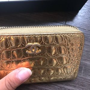 CHANEL Bags - Chanel 19A Gold Croc Embossed Zipped O Coin Purse